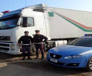 Polstrada di Nola indaga due aziende di autotrasporto per ore di guida…